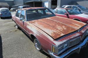 Oldsmobile Delta Eighty-Eight Royale Brougham -
