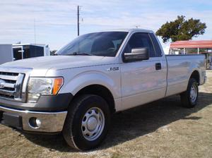 Ford F-150 XL - 4x4 XL 2dr Regular Cab Styleside 8 ft.