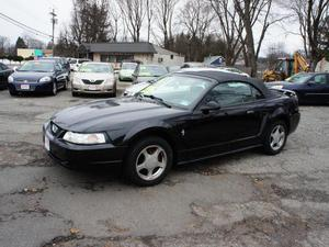 Ford Mustang - Deluxe 2dr Convertible
