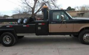 Ford F350 TOW Truck