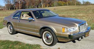 Lincoln Mark Series Base Sedan 2 Door