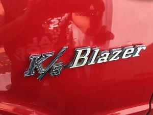 Chevrolet Blazer red