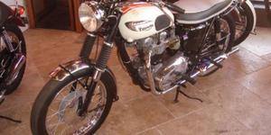 Triumph Bonneville 650 -