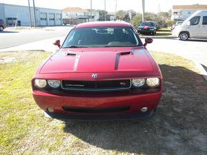 Dodge Challenger -