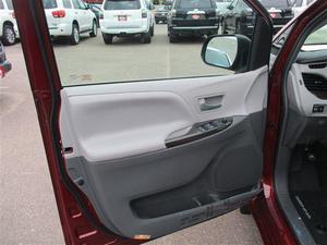 Toyota Sienna Limited Premium 7-Passenger - Limited