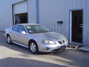 Pontiac Grand Prix - 4dr Sedan