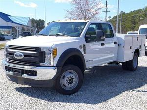 Ford F-450 Super Duty XL - 4x4 XL 4dr Crew Cab 8 ft. LB