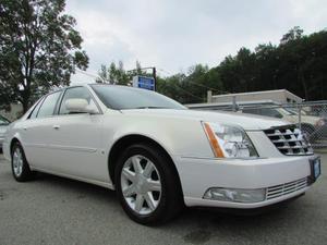 Cadillac DTS - Sedan