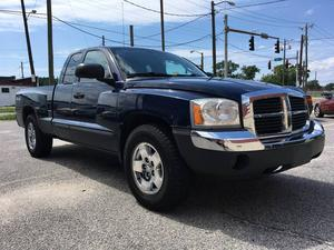 Dodge Dakota SLT - SLT 4dr Club Cab SB