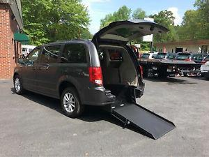 Dodge Caravan SXT handicap accessible wheelchair van