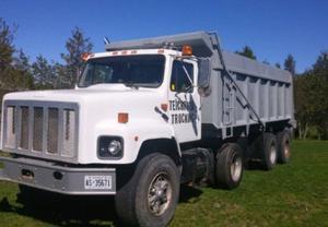 International 20S Dump Truck