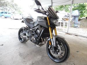 Yamaha FZ09 in Avon Park, FL