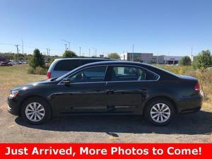Volkswagen Passat 2.5 SE For Sale In Naperville |
