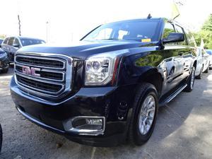 GMC Yukon XL SLE  in Louisville, KY