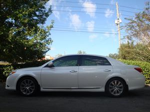 Toyota Avalon Limited in Tallahassee, FL
