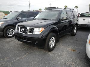 Nissan Pathfinder XE in Dade City, FL