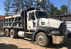 Mack CXU613 Dump Truck