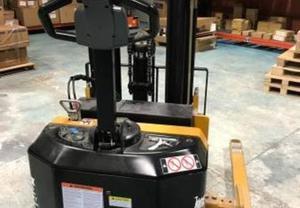 Big JOE PDS30 Walkie Straddle Stacker Forklift
