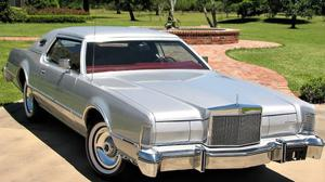 Lincoln Mark IV Versailles