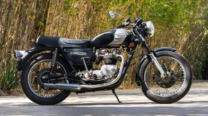 Triumph T140 Bonneville