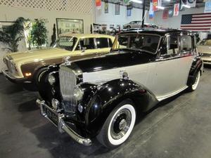 Bentley MK VI Sports Saloon Sedan