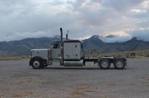 Peterbilt 389 Extend A Hood Sleeper Semi Truck
