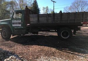 International 5 Series Diesel Dump Truck