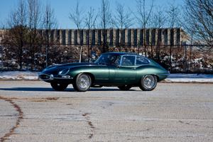 Jaguar E-TYPE 4.2-Litre 'series I' FHC