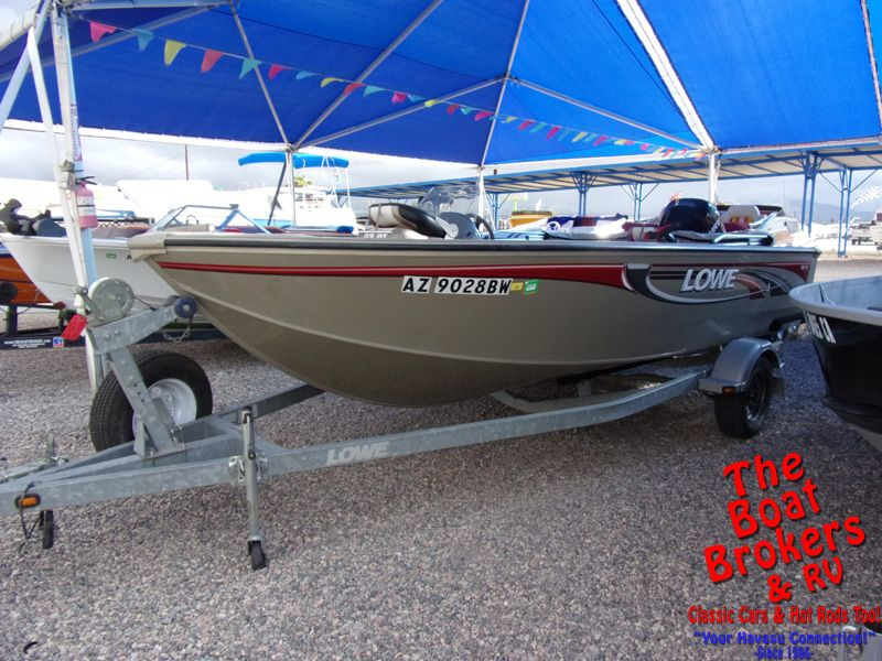 Lowe FM 175 Fishing Boat