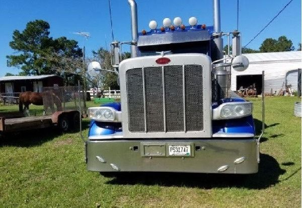 Peterbilt 389 Semi Tractor