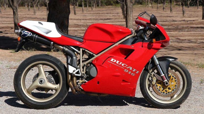 Ducati Desmoquattro 916