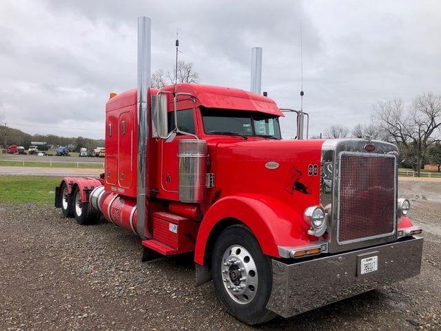 Peterbilt 379 Semi Tractor
