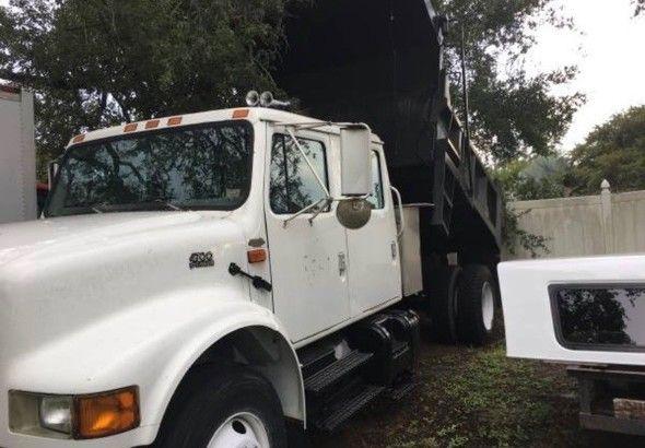 International -Dump-Truck