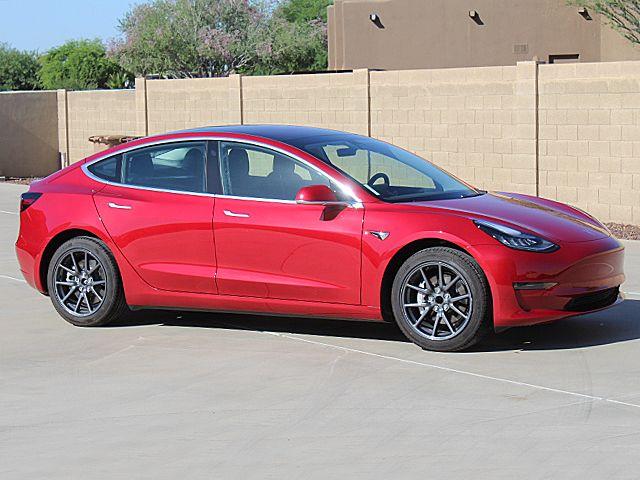 Tesla 3 Midrange 4 DR. Sedan